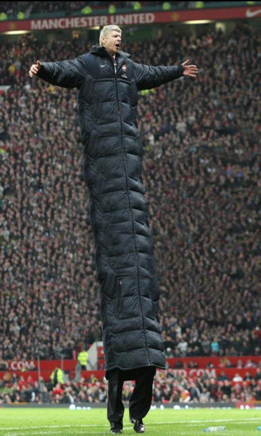 Arsene-Wengers-coat-gets-bigger-every-day.jpg