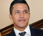 Arsenal sign Alexis Sánchez, aka this guy