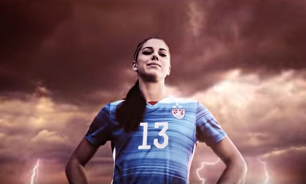 Alex Morgan in FIFA 16 ad