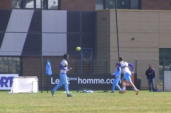A host of players fail to score in a Marseille shooting training drill