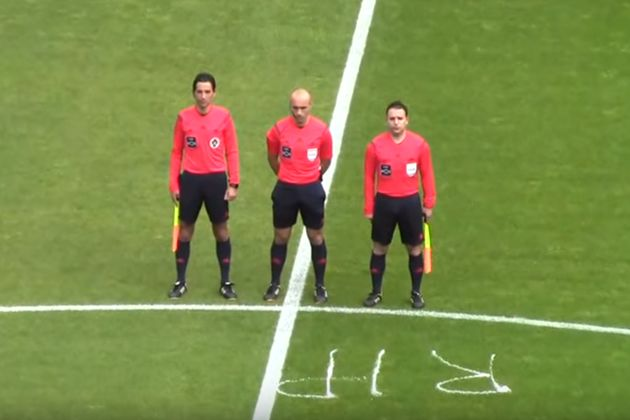 Portuguese referee sprays RIP with vanishing foam in centre circle after the death of his colleague Paulo Paraty