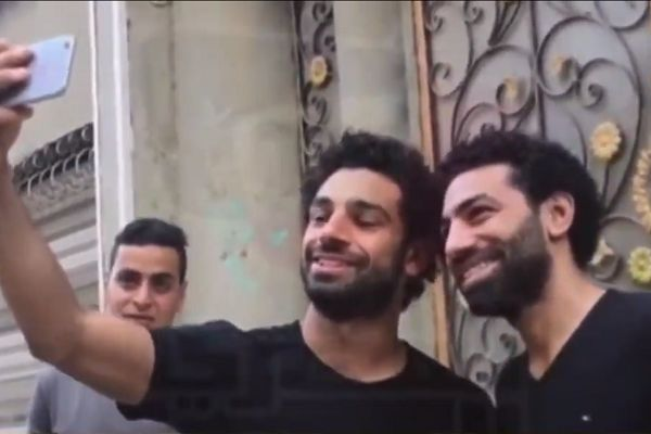 Mohamed Salah lookalike meets the Liverpool player in Egypt