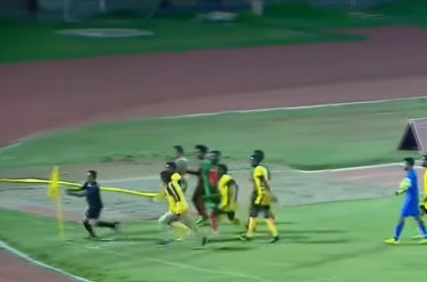 Referee flees from players during Ethiopian match