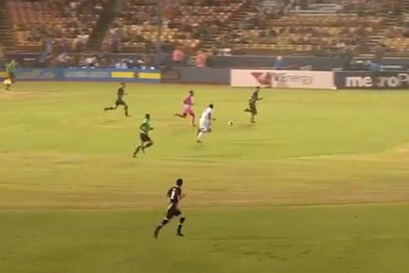 Las Vegas Lights goalkeeper Ricardo Ferriño dribbles into midfield