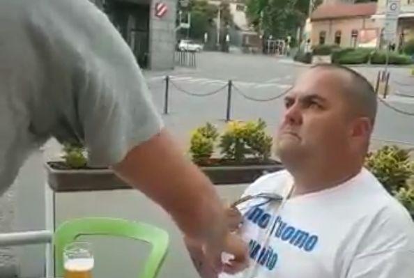 "Italian waiter tells Leeds fan his shirt translates as ""I love Man United"""