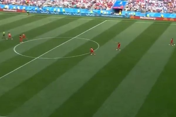 Panama try to score from quick kick-off while England celebrate Harry Kane goal