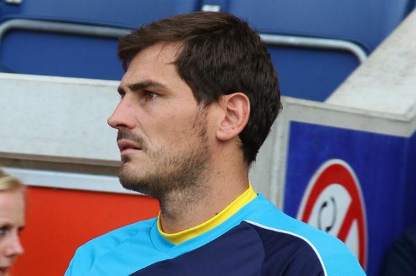 Iker Casillas doesn't believe the moon landing happened