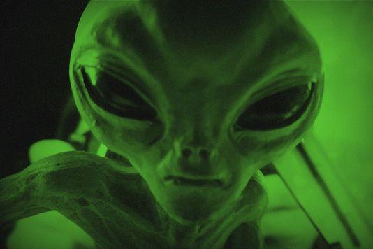 Robert Earnshaw tweeted about alien technology