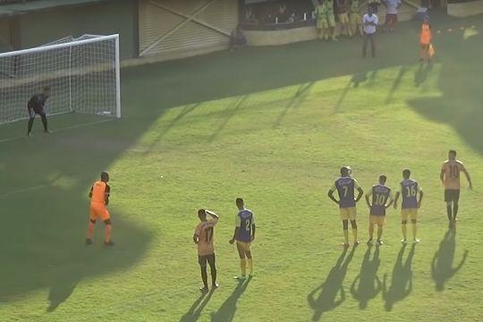 Slow run-up for Tigres do Brasil penalty in 4-4 draw with Barcelona RJ in Carioca Série B1