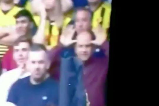 Watford fan makes a funny face at Ashley Young during Man Utd's 2-1 win at Vicarage Road
