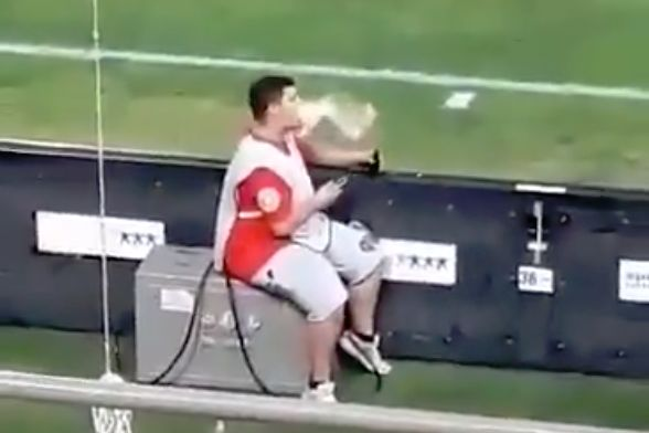 Olympiacos ball boy vapes and uses his phone during 0-0 draw with Leganés
