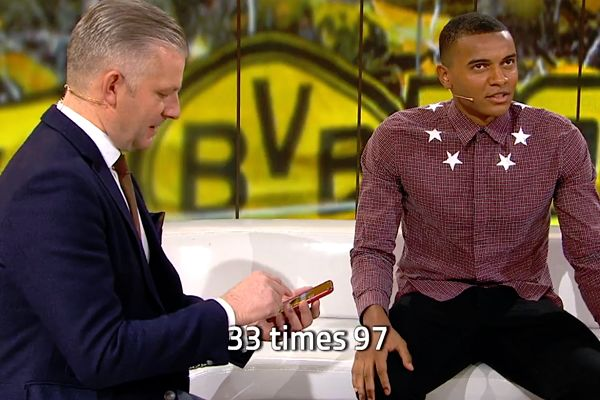 Borussia Dortmund's Manuel Akanji competes with a calculator, doing mental arithmetic on SRF sportpanorama