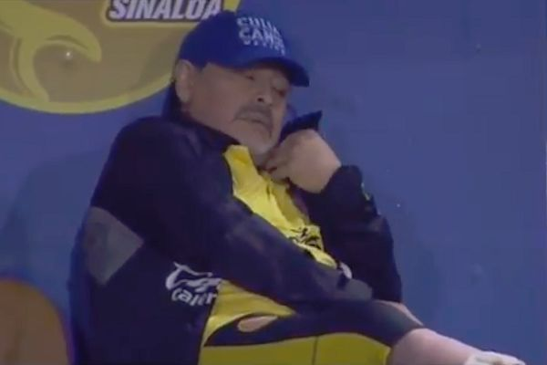 ‎Diego Maradona appeared to pick up his phone call at a Dorados game