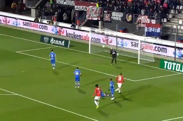 Mats Seuntjens's chip bounces backwards off the goal line during AZ Alkmaar 5-0 PEC Zwolle