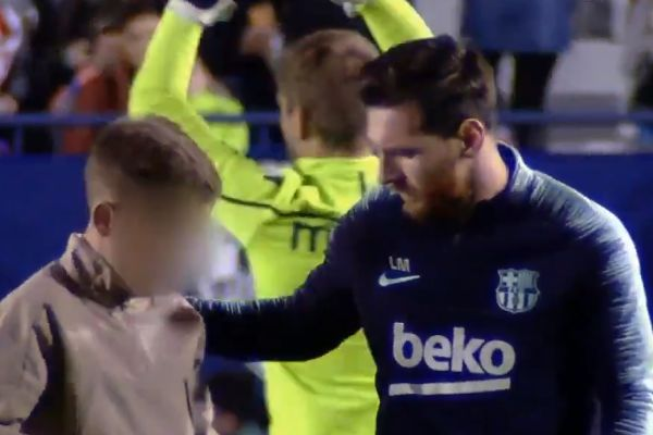 Young fan gets on-pitch selfie with Lionel Messi and returns to stands undetected