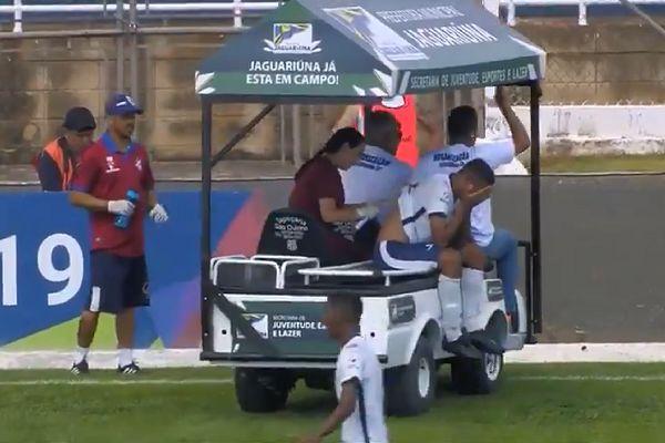 Medical cart runs over Trindade's Bernardo's foot during pre-season junior game against Flamengo