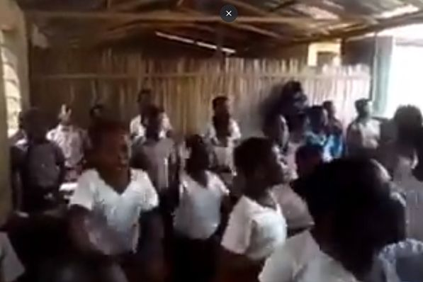 """Schoolchildren in Ghana sing the Mo Salah song to the tune of """"Sit Down"""""""