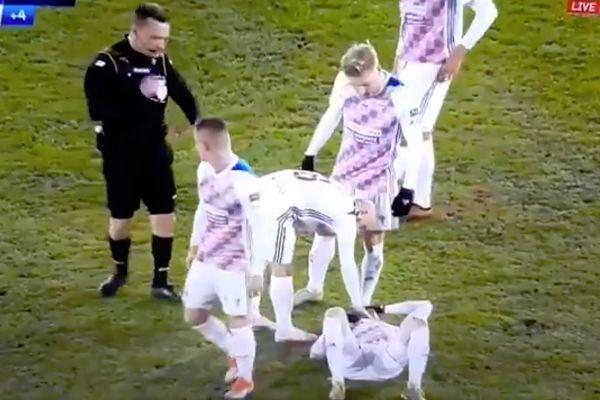 Injured player gets up after the final whistle in Górnik Zabrze vs Wisła Kraków