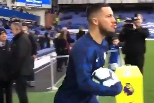 Chelsea's Eden Hazard boos Ross Barkley to join in with Everton fans