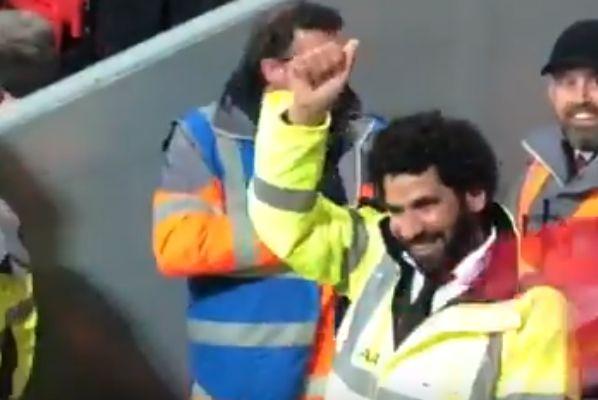 Mo Salah lookalike steward takes the plaudits at Liverpool vs Huddersfield