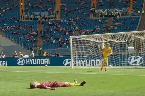 Roma fan slips trying to recreate the goal he said even he could score