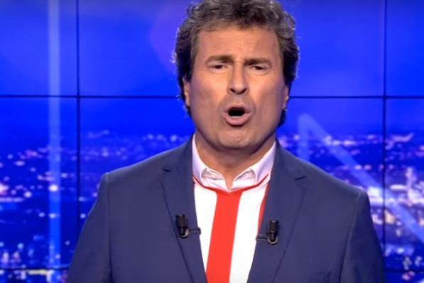 "beIN SPORTS France pundit Omar Da Fonseca sings ""Ne Me Dribble Pas"", a song about defenders facing Barcelona's Lionel Messi"