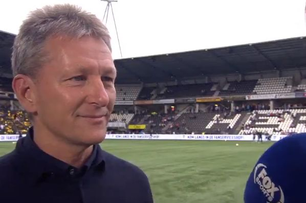 Heracles Almelo manager Frank Wormuth, who was asked if the German word for 'underdog' is 'unterhund'
