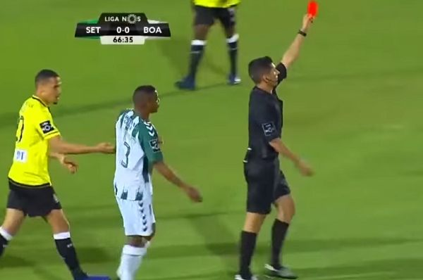Vitória's José Semedo receives a red card, one of three shown to his team against Boavista