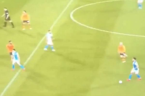 Blackburn manager Tony Mowbray swears his player Derrick Williams after a misplaced pass at Hull