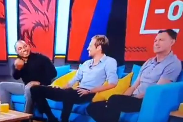 Paul Ince makes rude gesture at Chris Sutton on BT Sport's Early Kick Off