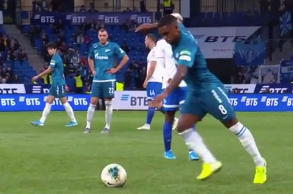 Zenit St Petersburg's Malcom hits the referee with a long pass during the 2-0 win at Dynamo Moscow
