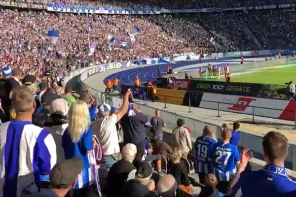 Streaker caught at Hertha Berlin