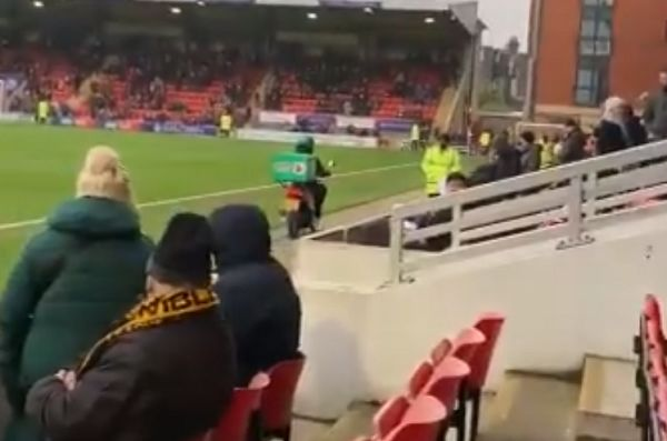 Papa John's deliver pizza to fan at Leyton Orient vs Newport County