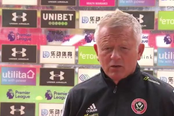 Sheffield United manager Chris Wilder surprised by sprinkler in pre-match interview