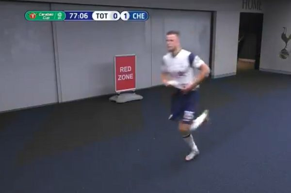 Tottenham's Eric Dier runs to the toilets during Carabao Cup match against Chelsea, with José Mourinho following him