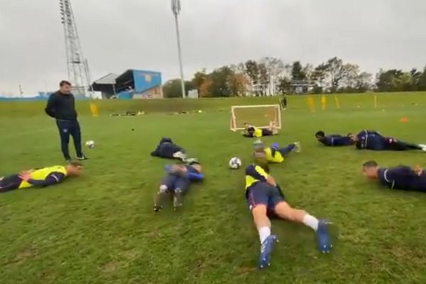 Carlisle United squad do 'salmon' training exercise
