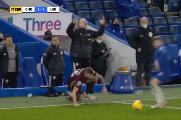 Marcelo Bielsa throws up his arms in despair as Stuart Dallas slips during Chelsea 3-1 Leeds