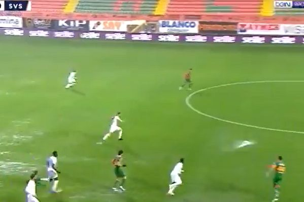 Alanyaspor and Sivasspor play on a waterlogged pitch in a match that was postponed midway through the first half