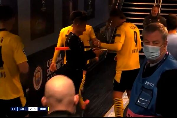 Assistant referee asks Erling Haaland for autograph in tunnel after Champions League game at Man City