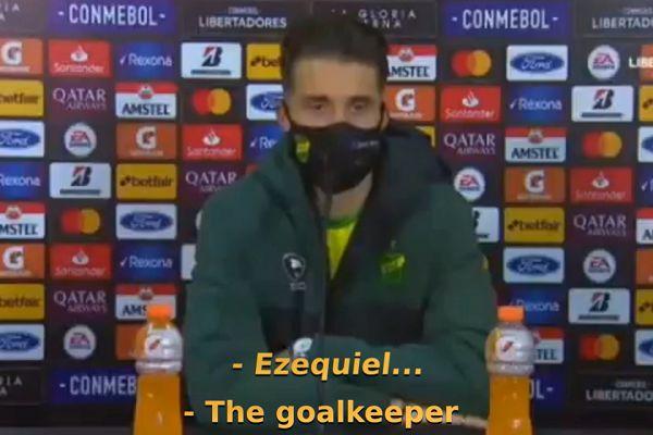 Reporter mistakes Defensa y Justicia goalkeeper Ezequiel Unsain for forward Braian Romero
