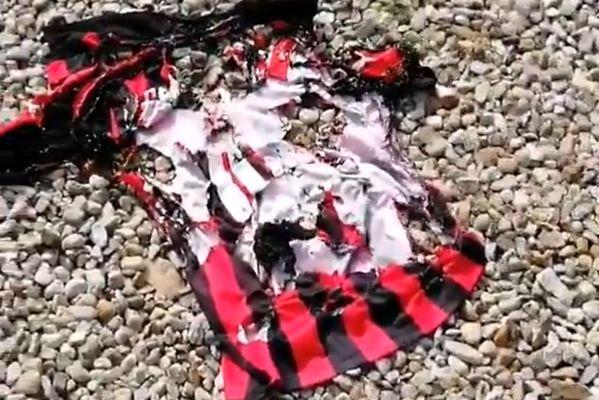 AC Milan supporter burns Hakan Çalhanoğlu jersey as player moves to Inter