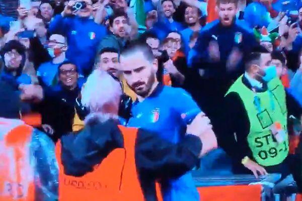 Steward grabs Leonardo Bonucci thinking he's a pitch invader during Italy vs Spain semi-final at Euro 2020